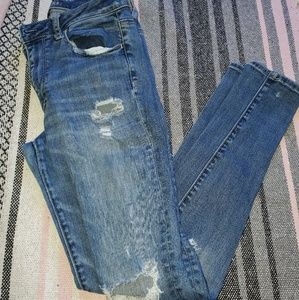 AEO DISTRESSED JEANS!!!
